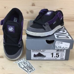 DVS Rikers Skate Shoes Boys Size 1.5 Black/Grey